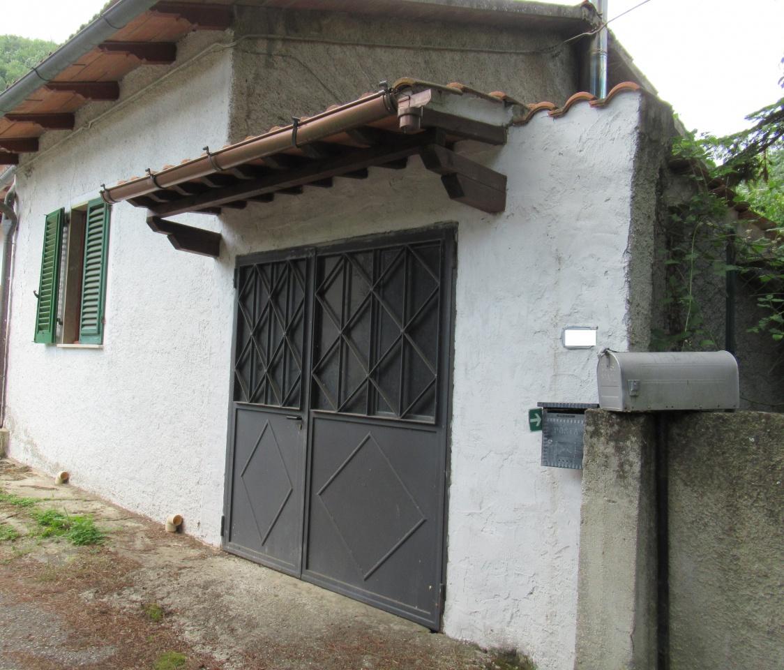 Casa Indipendente in discrete condizioni in vendita Rif. 7382583