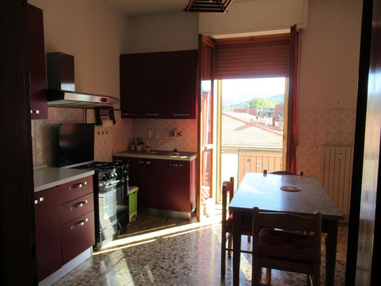 Appartamento da ristrutturare in vendita Rif. 8104358