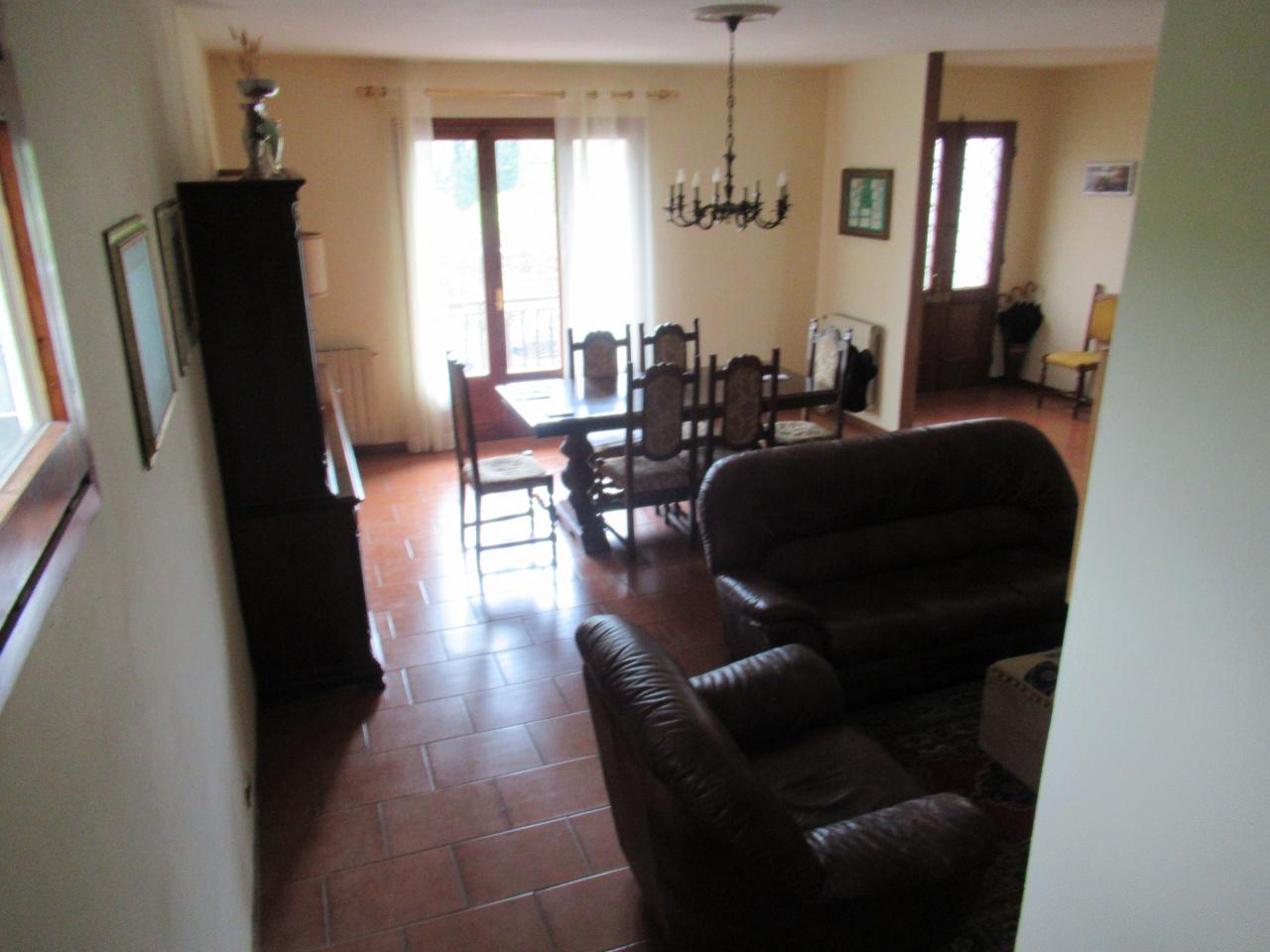 Casa Indipendente in buone condizioni arredato in affitto Rif. 10228931