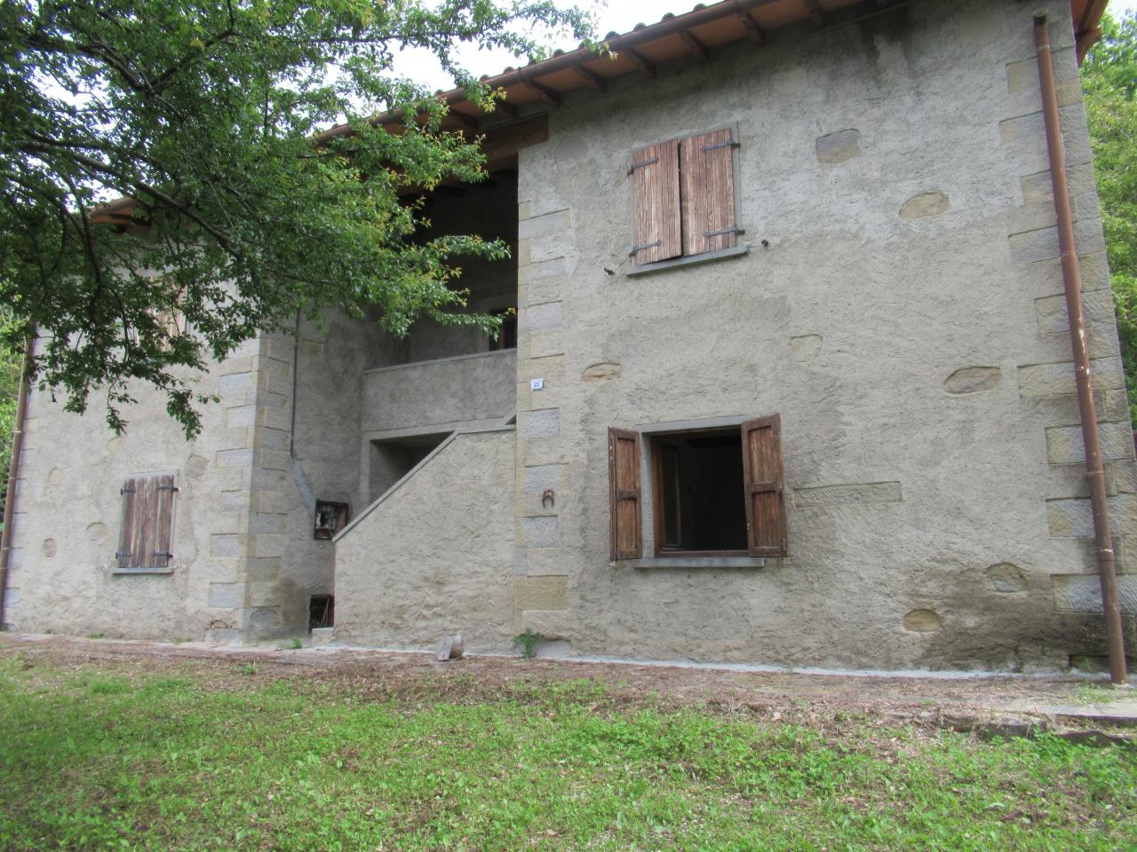 Rustico / Casale in buone condizioni in vendita Rif. 10361186