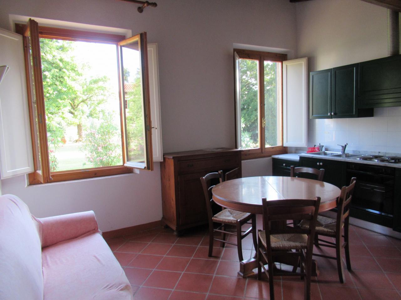 Appartamento in buone condizioni in affitto Rif. 10707665