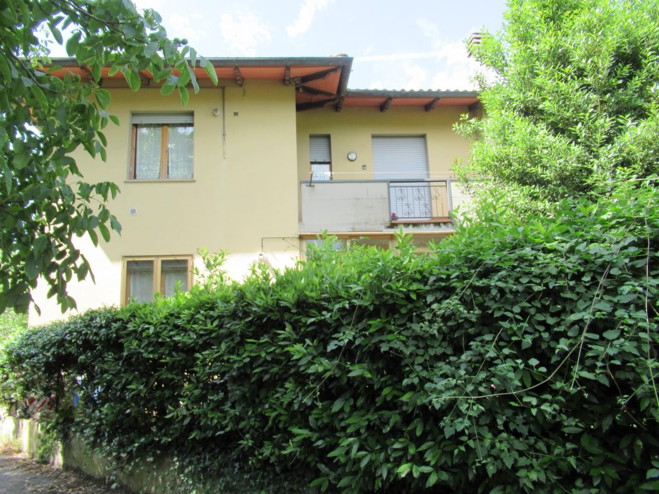 Appartamento in buone condizioni in vendita Rif. 10552825