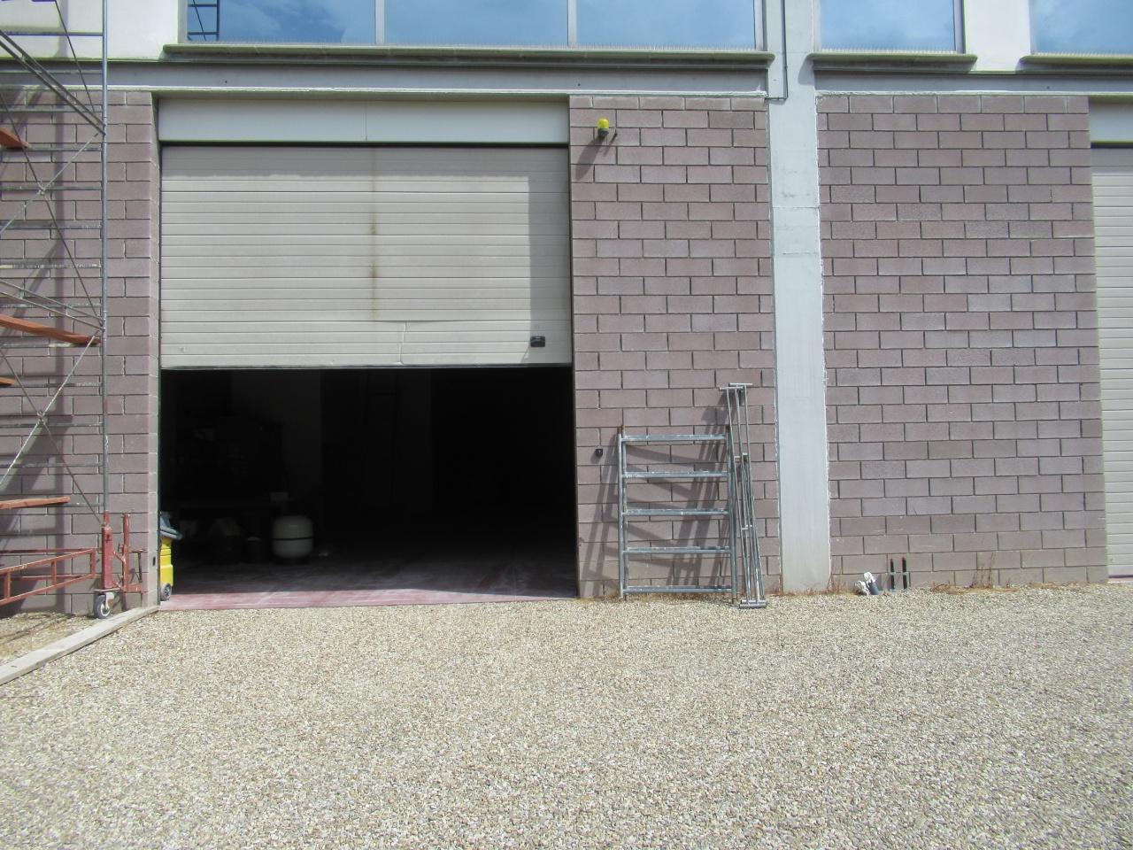 Magazzino - capannone in ottime condizioni in affitto Rif. 10871274
