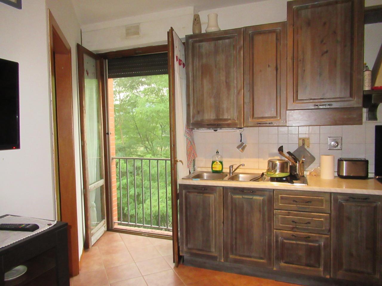 Appartamento in buone condizioni in vendita Rif. 11026805