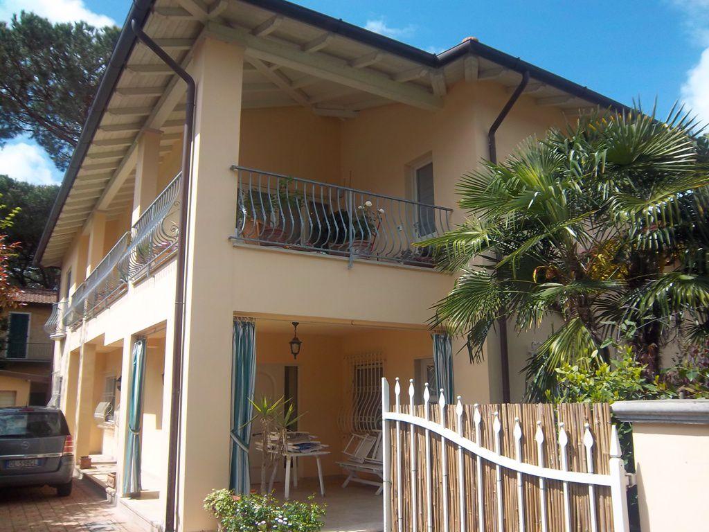 Appartamento in vendita a Forte dei Marmi, 4 locali, zona Località: Forte dei Marmi, prezzo € 945.000   Cambio Casa.it