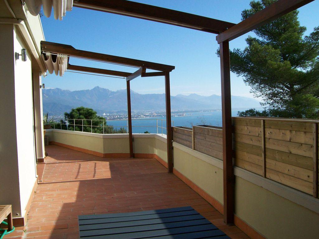 Soluzione Indipendente in vendita a Ameglia, 4 locali, prezzo € 595.000 | Cambio Casa.it