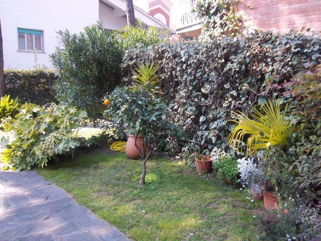 Appartamento in vendita a Forte dei Marmi, 3 locali, prezzo € 295.000 | Cambio Casa.it