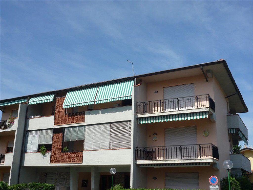 Appartamento in vendita a Montignoso, 3 locali, zona Località: GENERICA, prezzo € 199.000 | Cambio Casa.it