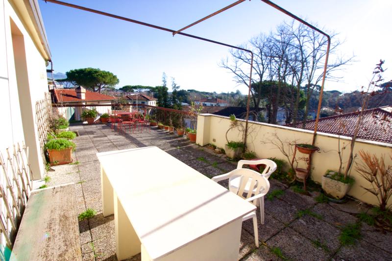 Attico / Mansarda in vendita a Forte dei Marmi, 3 locali, prezzo € 295.000 | CambioCasa.it