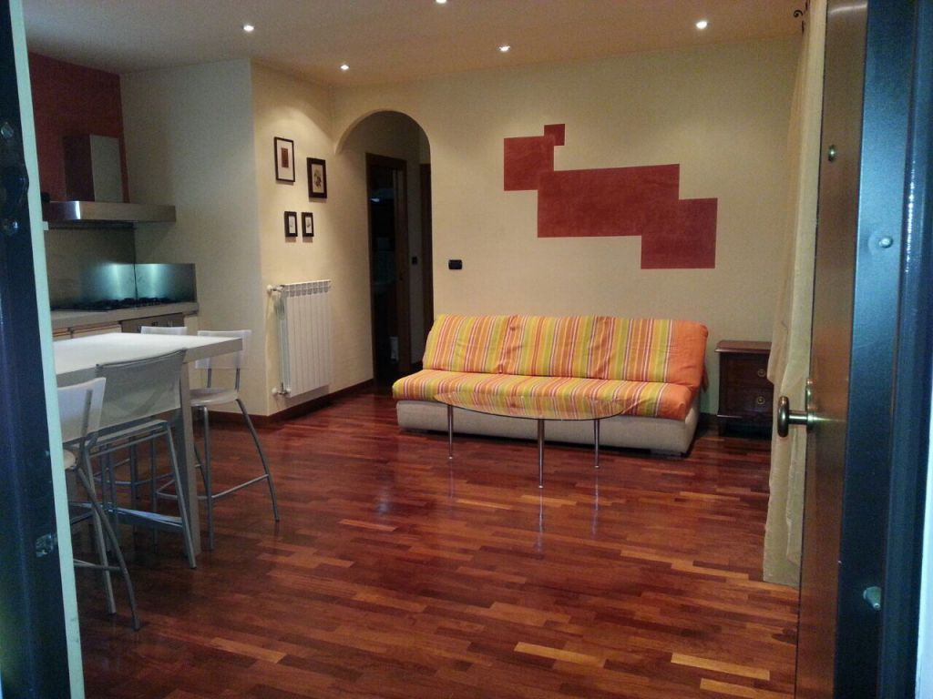Appartamento in vendita a Seravezza, 3 locali, zona Zona: Querceta, Trattative riservate | Cambio Casa.it