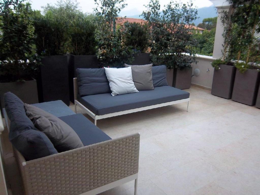 Appartamento in affitto a Forte dei Marmi, 6 locali, Trattative riservate | CambioCasa.it