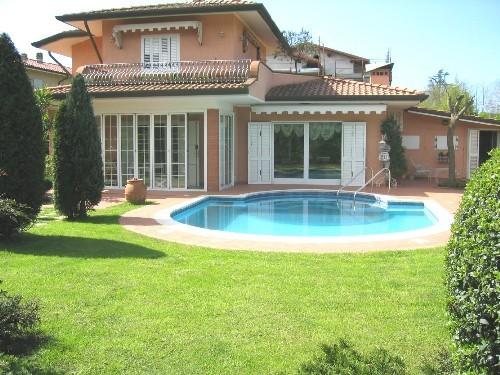 Villa in affitto a Pietrasanta, 6 locali, Trattative riservate | CambioCasa.it