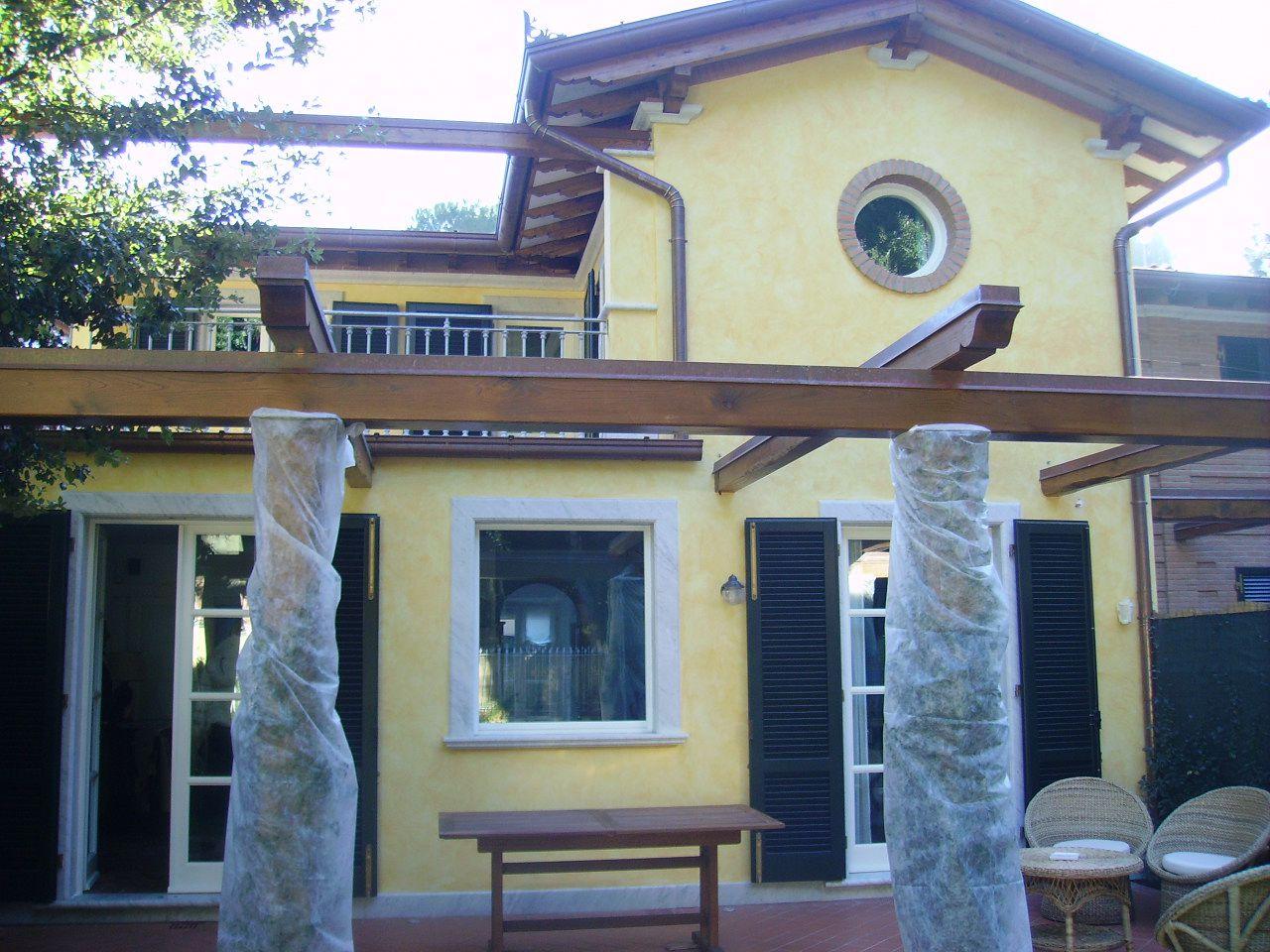 Villa in affitto a Pietrasanta, 5 locali, Trattative riservate | CambioCasa.it
