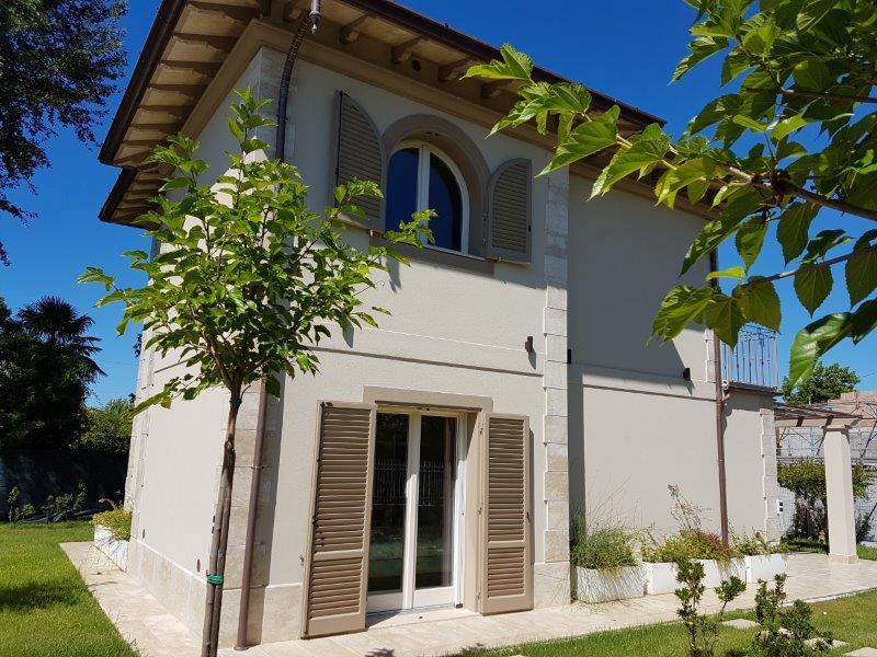 Villa in affitto a Forte dei Marmi, 4 locali, Trattative riservate   CambioCasa.it