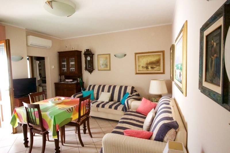 Appartamento in buone condizioni arredato in affitto Rif. 5624622