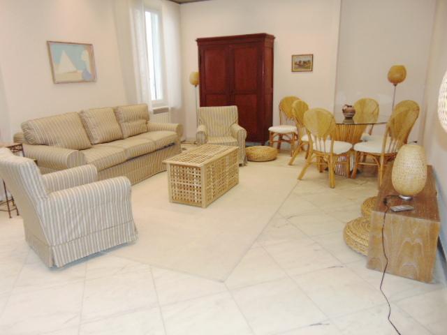 Appartamento ristrutturato arredato in affitto Rif. 5624641