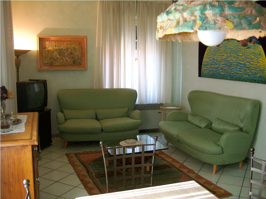 Appartamento in ottime condizioni arredato in affitto Rif. 5624683