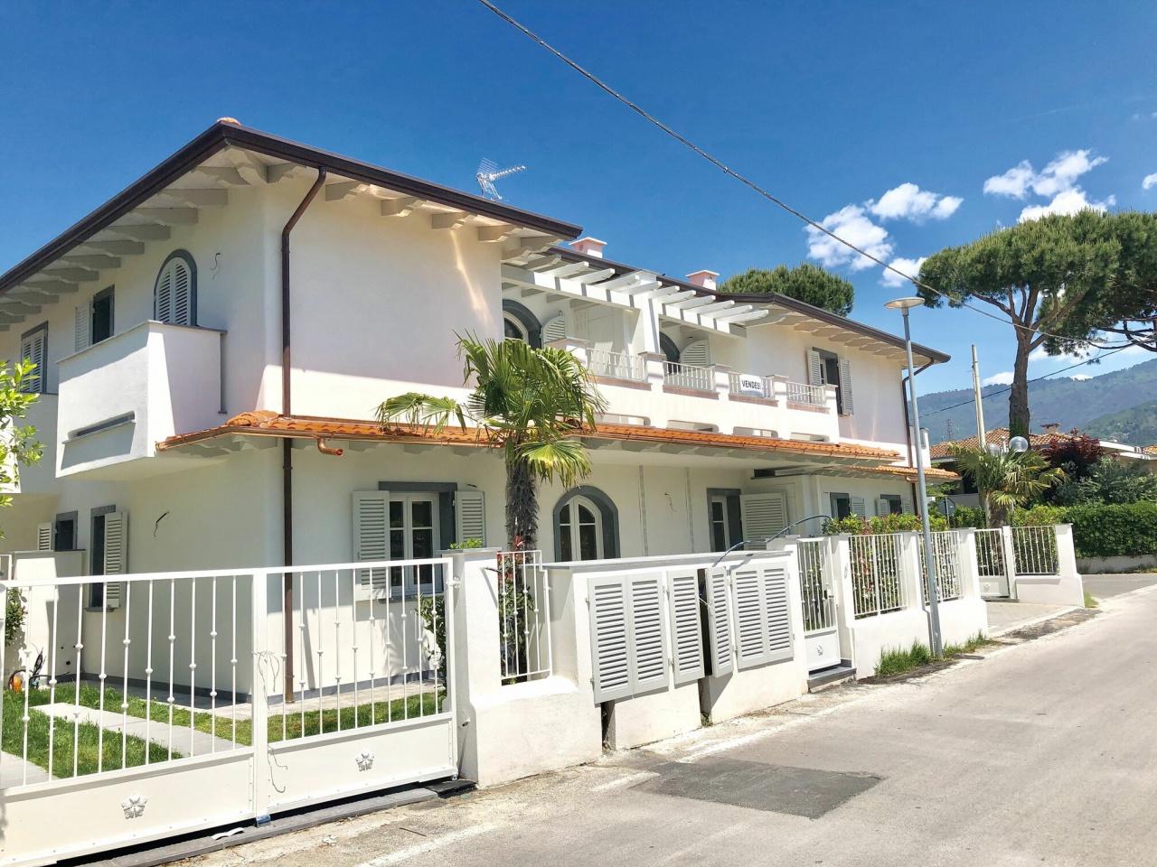 Appartamento in vendita a Montignoso, 3 locali, Trattative riservate | PortaleAgenzieImmobiliari.it