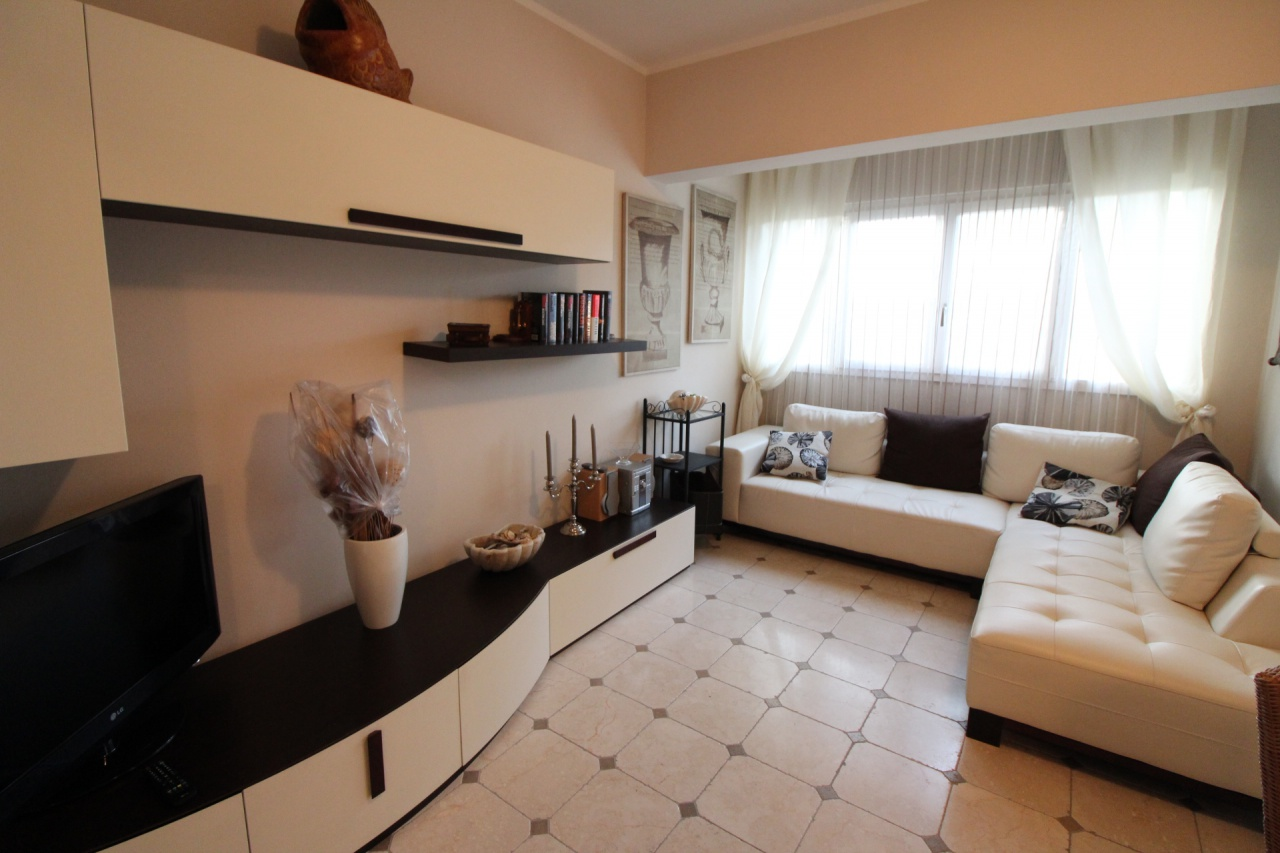 Appartamento ristrutturato in vendita Rif. 11067129