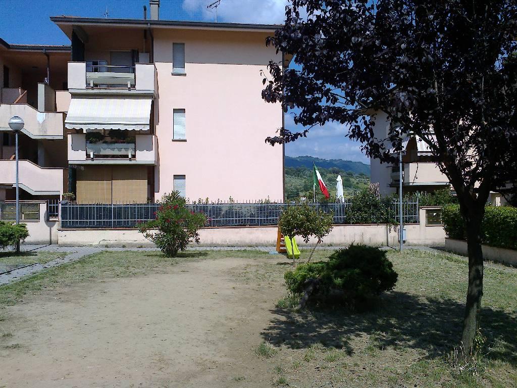 Appartamento trilocale in vendita a Pescia (PT)
