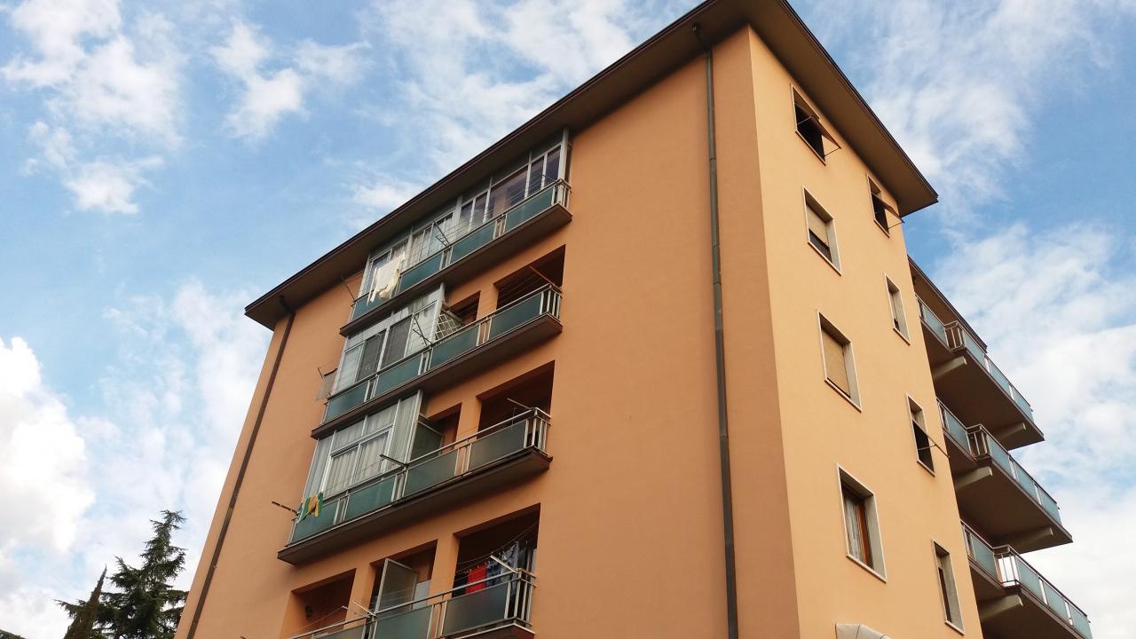 Appartamento in ottime condizioni in vendita Rif. 10005298