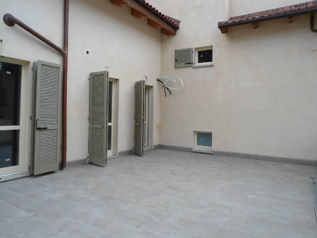 VENDITA              Appartamento LODI 4 180 M�