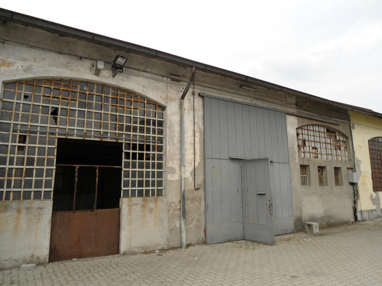 Capannone monolocale in vendita a Lodi (LO)