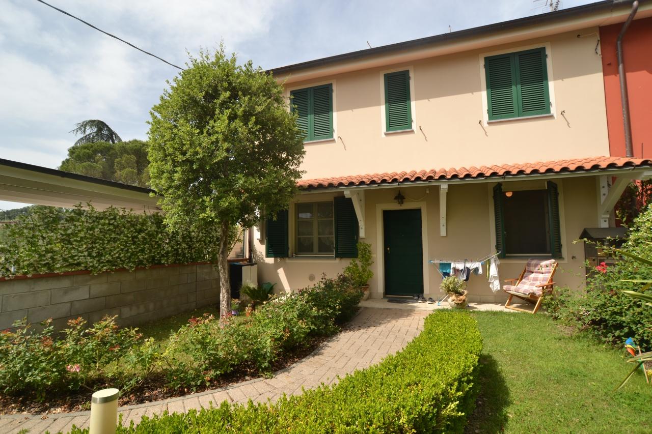 Appartamento in vendita a Montecarlo, 4 locali, prezzo € 260.000 | CambioCasa.it