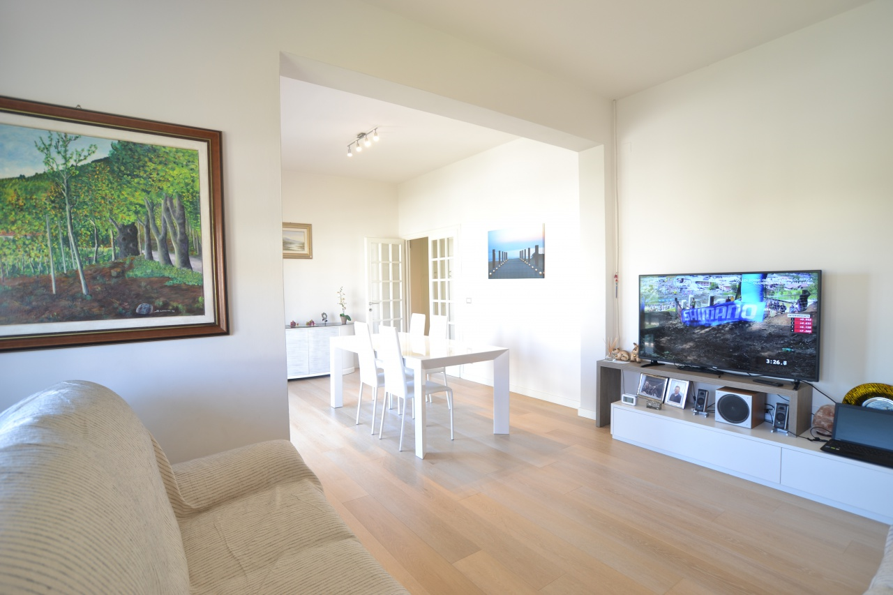Appartamento in ottime condizioni in vendita Rif. 10888486