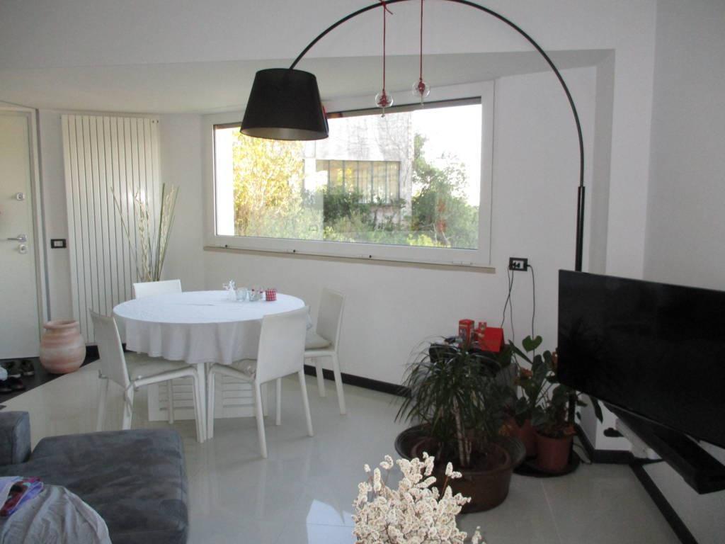 Appartamento in ottime condizioni arredato in vendita Rif. 4764561
