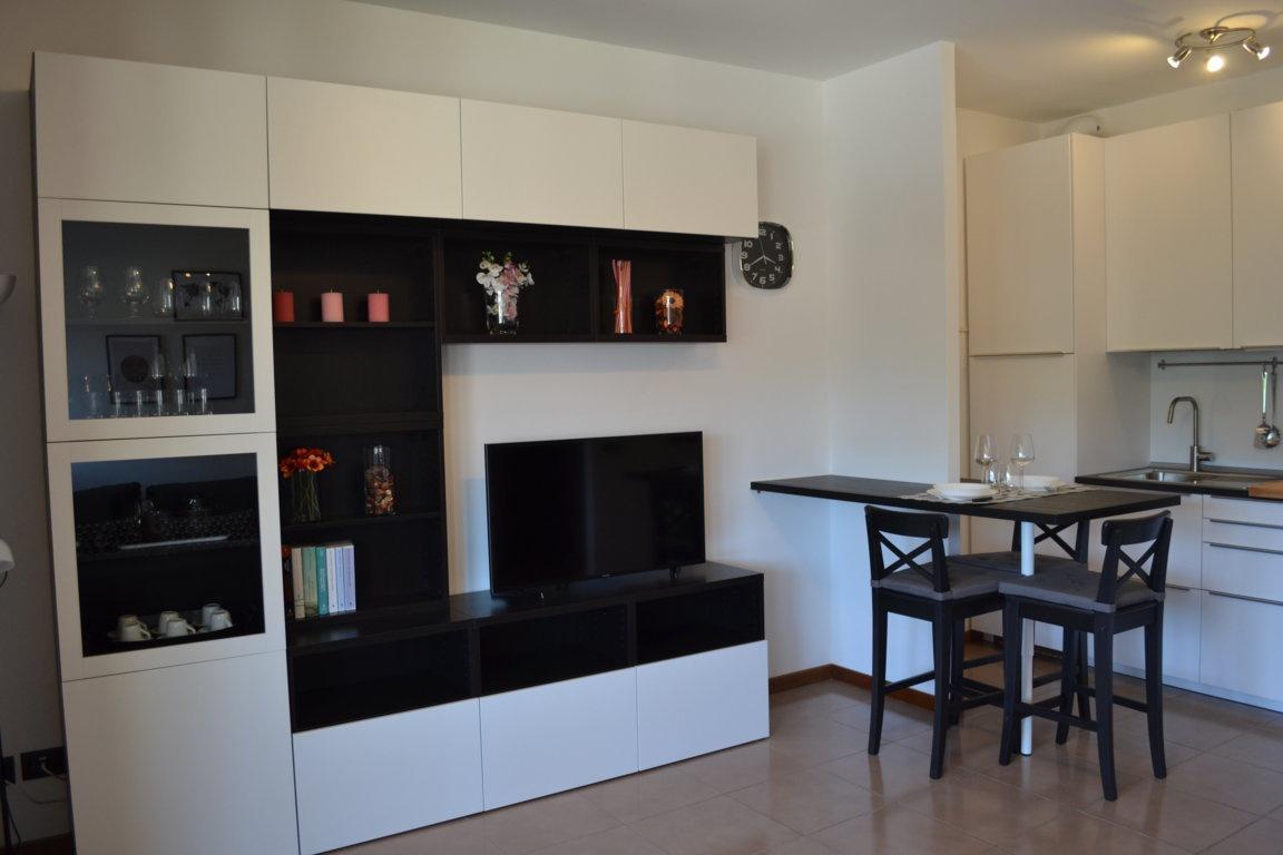 Appartamento ristrutturato arredato in affitto Rif. 6849518