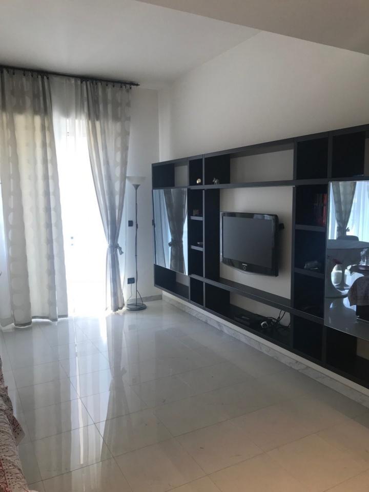 Appartamento ristrutturato arredato in affitto Rif. 8251004