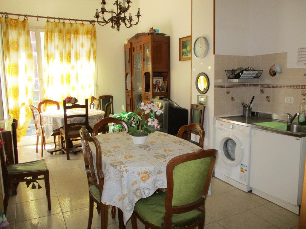 Appartamento in buone condizioni in vendita Rif. 9964730