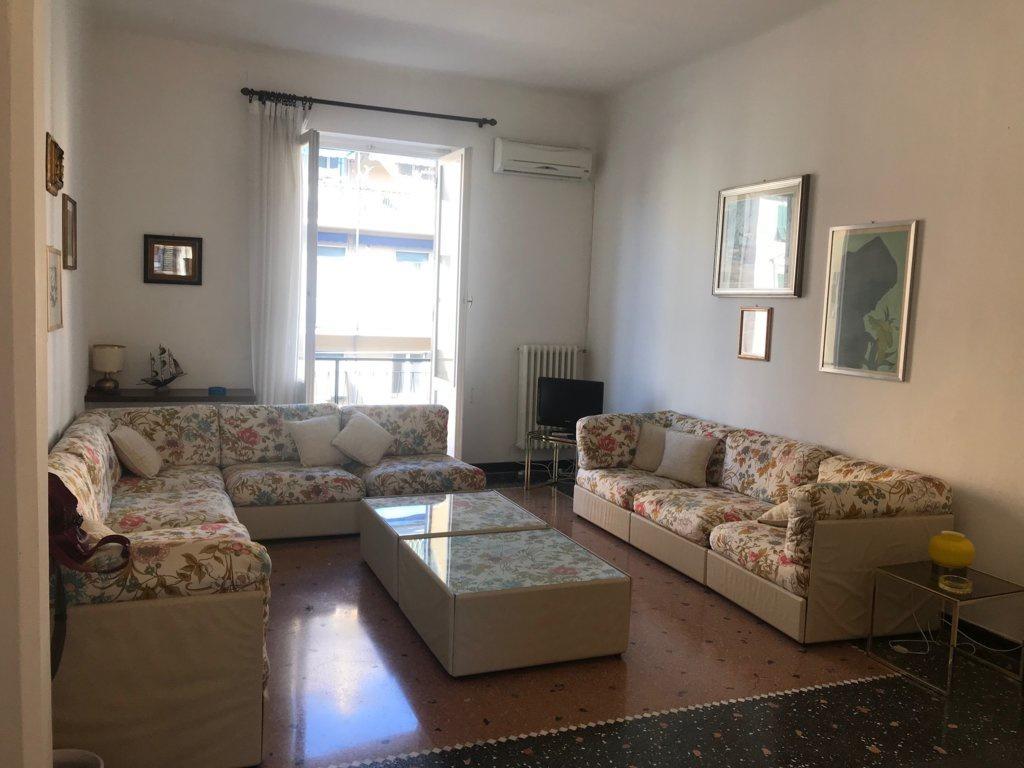 Appartamento in buone condizioni arredato in affitto Rif. 10013830