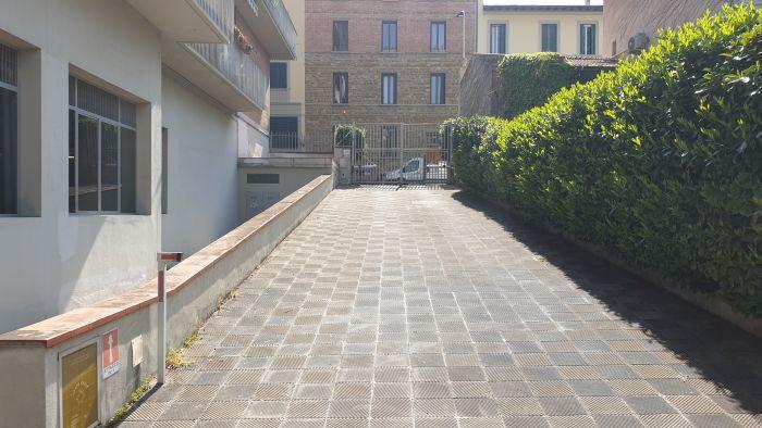 Box / Garage in vendita a Firenze, 1 locali, prezzo € 28.000 | CambioCasa.it