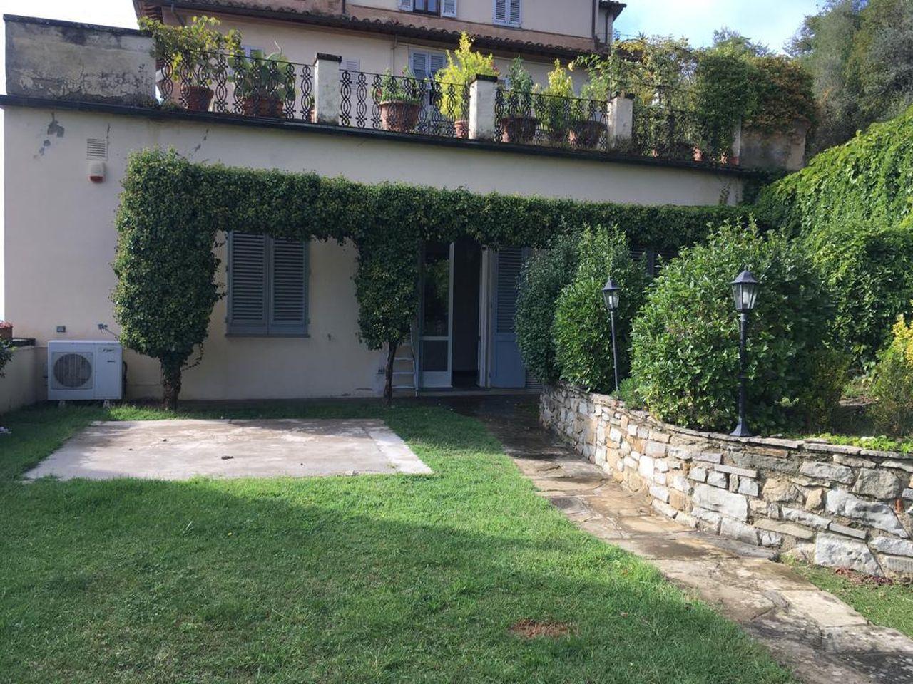 Appartamento in affitto a Fiesole, 6 locali, prezzo € 3.200 | CambioCasa.it