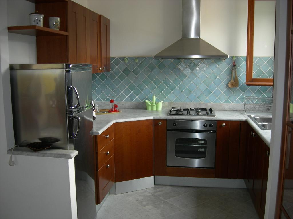 Appartamento in affitto a Massa, 4 locali, prezzo € 850 | CambioCasa.it