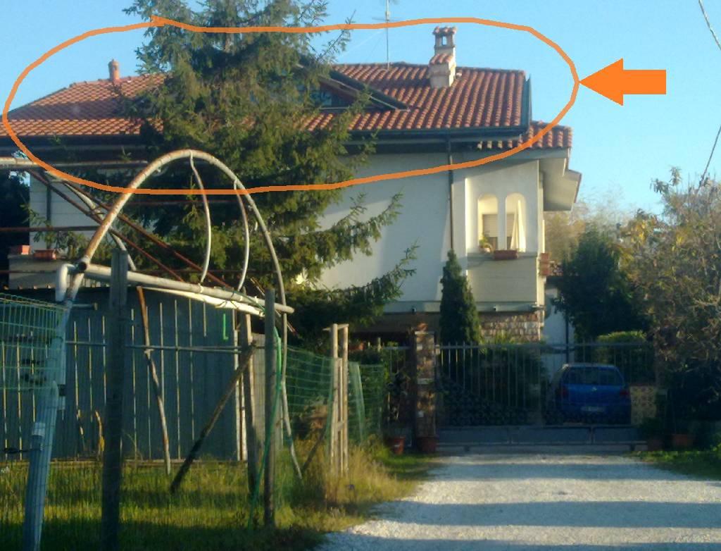 Attico / Mansarda in affitto a Massa, 3 locali, prezzo € 500 | CambioCasa.it