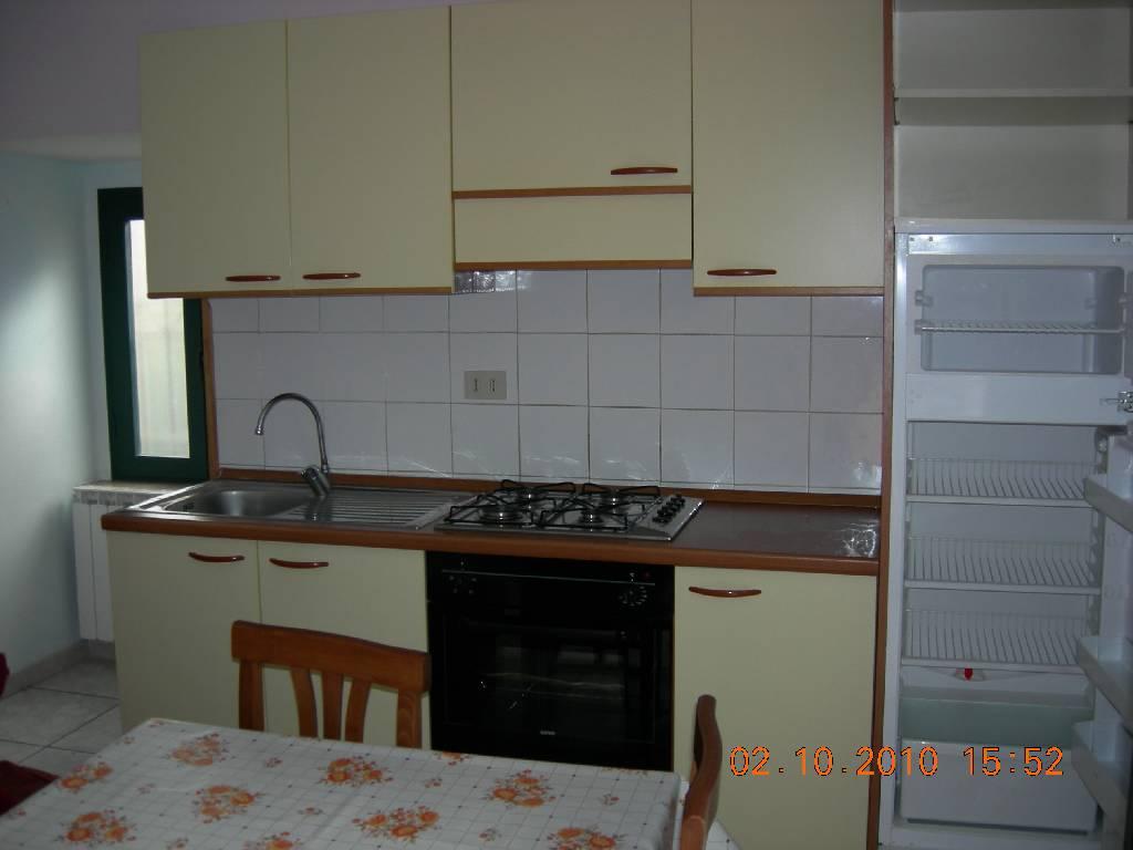Soluzione Indipendente in affitto a Massa, 3 locali, prezzo € 600 | CambioCasa.it