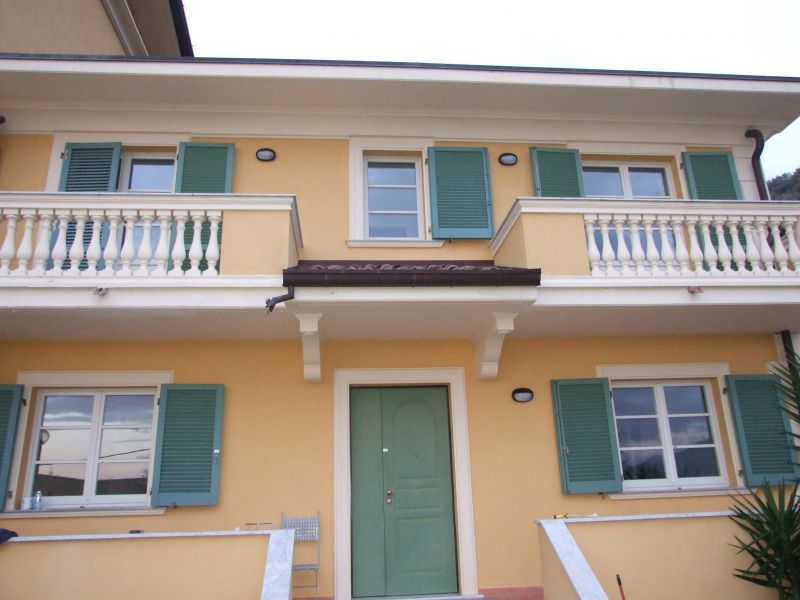 Villa a Schiera in affitto a Massa, 5 locali, prezzo € 1.100 | CambioCasa.it