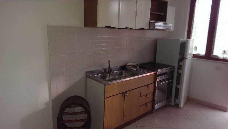 Soluzione Indipendente in affitto a Massa, 3 locali, prezzo € 450 | CambioCasa.it