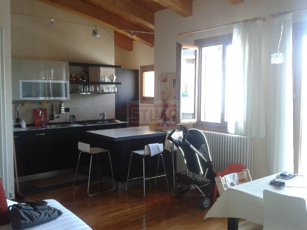 Attico / Mansarda in vendita a Ponzano Veneto, 9999 locali, prezzo € 170.000   PortaleAgenzieImmobiliari.it