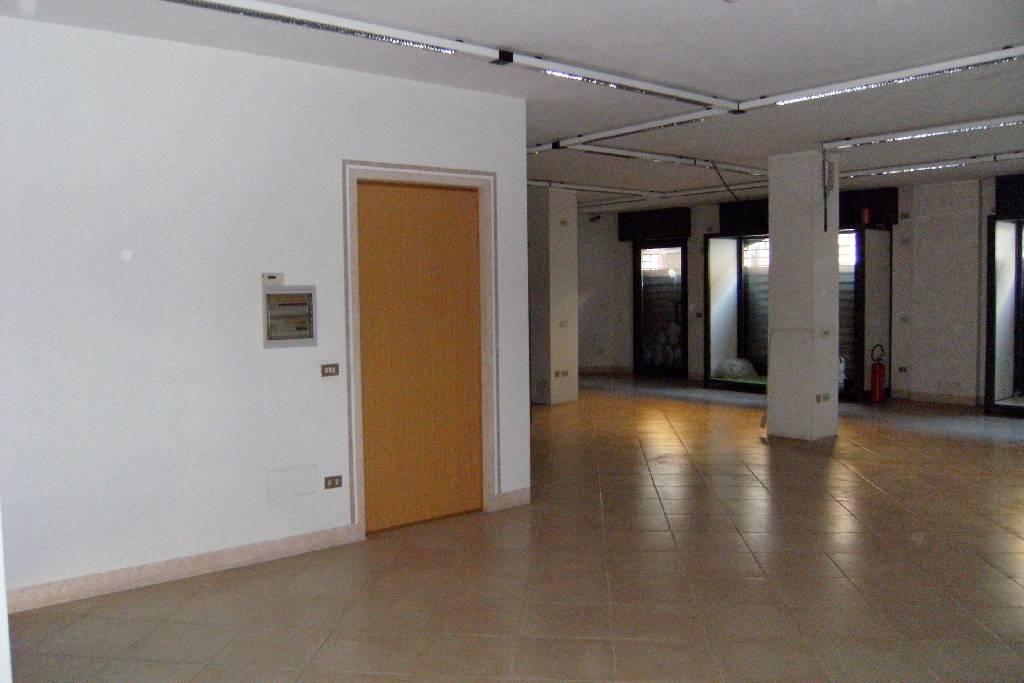 Negozio / Locale in affitto a Mairano, 1 locali, prezzo € 500 | CambioCasa.it