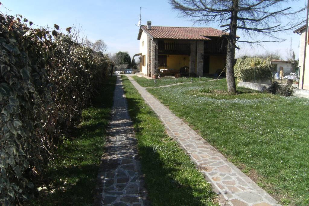 Villa in vendita a Barbariga, 5 locali, prezzo € 220.000   CambioCasa.it