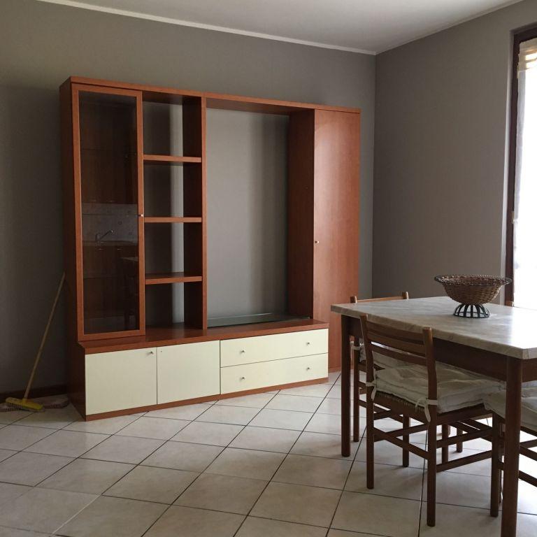 Appartamento in affitto a Dello, 2 locali, prezzo € 420 | CambioCasa.it