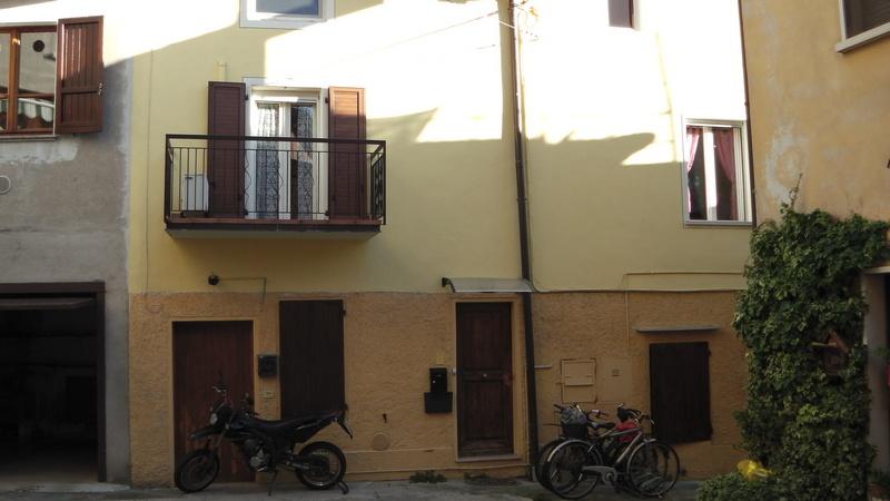 Appartamento da ristrutturare in vendita Rif. 4764869