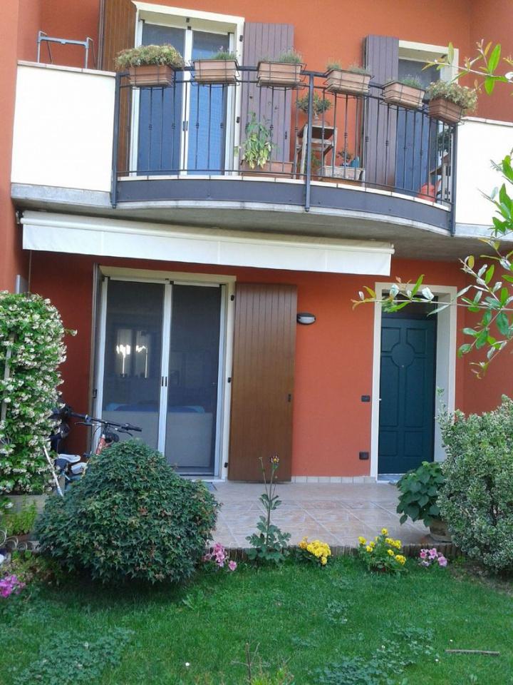 Villa a Schiera in vendita a Mairano, 4 locali, prezzo € 180.000 | CambioCasa.it