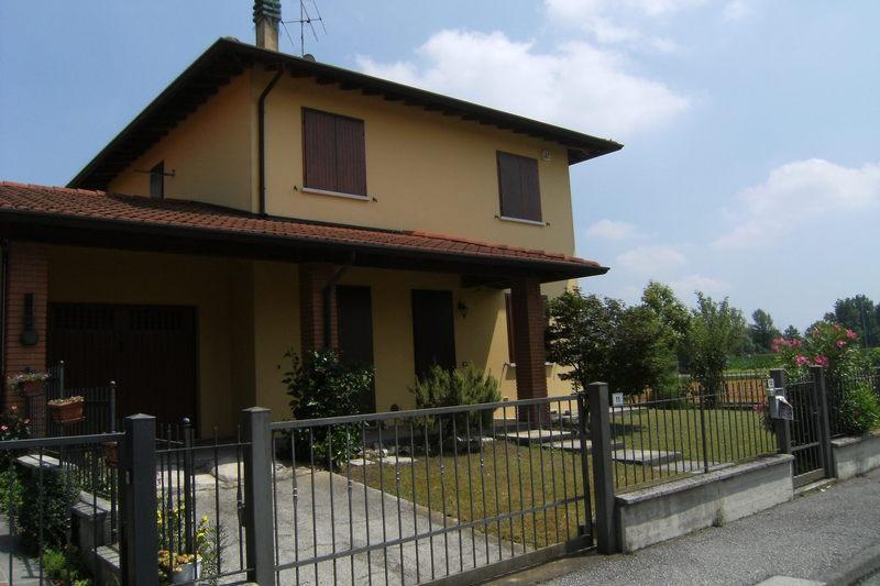 Soluzione Semindipendente in vendita a Mairano, 5 locali, prezzo € 215.000 | CambioCasa.it