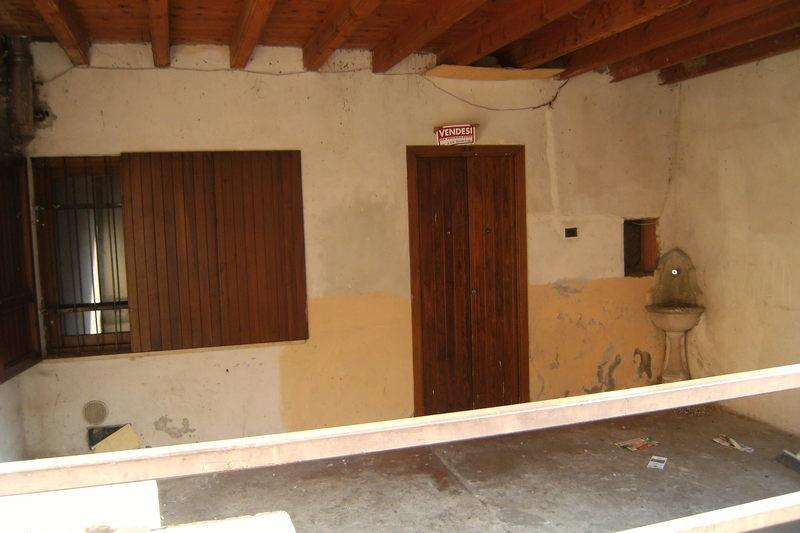 Appartamento in vendita a Mairano, 3 locali, prezzo € 40.000   CambioCasa.it