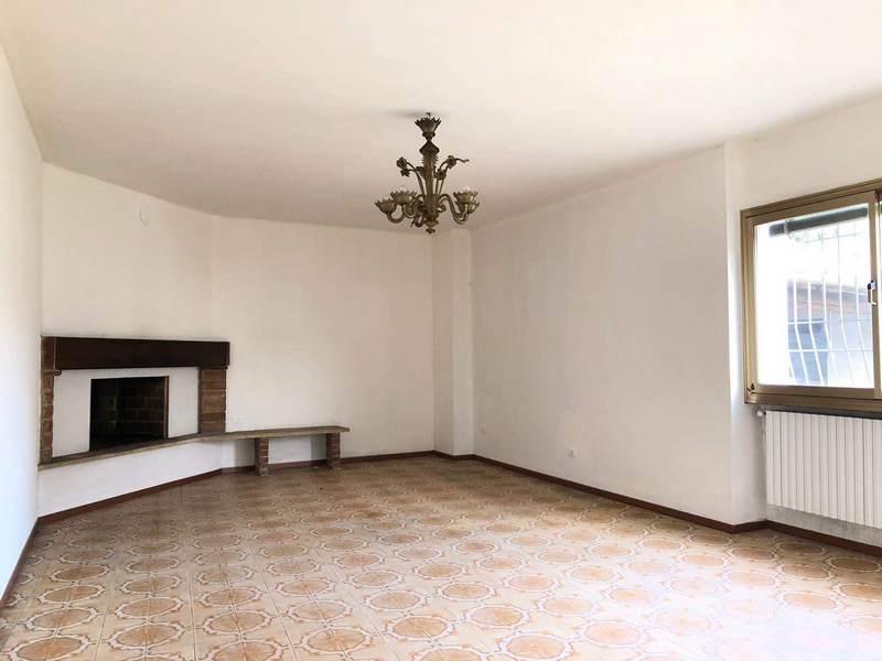 Appartamento in vendita a Offlaga, 4 locali, prezzo € 100.000 | CambioCasa.it